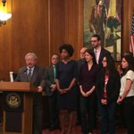 #SF honors Good Samaritans who stepped up & helped their neighbors after the #missionfire #sf72 http://t.co/UTi2xSDuaT