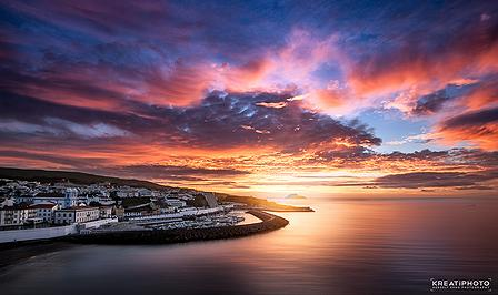 http://t.co/pWDhHXx9AD Sunrise in Angra do Heroismo's harbor http://t.co/PlHRkLxDFw
