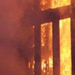 وفاة شخص وإصابة 11 آخرين في انفجار عبوة ناسفة أمام أحد البنوك بالمحلة الكبرى http://t.co/qDtBnRdBB6