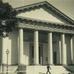 """المتحف الرومانى فى #الإسكندرية #مصر مغلق منذ 10 سنين """"للتحسينات"""" الظاهر مستنيين رجوع الإسكندر للإفتتاح http://t.co/aEynADZ7tK"""