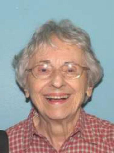 Barbara Harrison, 86, has dementia & is missing from her Kent home. RT to get her picture out & get her home safely. http://t.co/UXhU5oYCN4