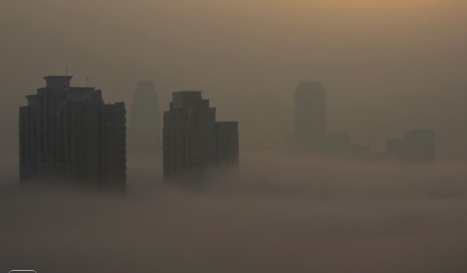 So while India bans a documentary on rape, China bans one on air pollution. http://t.co/pRPiiX3uE1 http://t.co/LmkLa15o0R