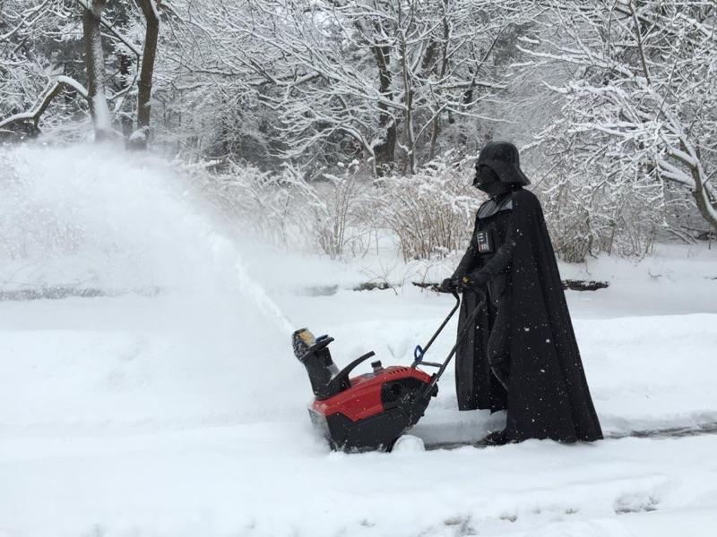 Vader living a quiet life in the suburbs of Hoth, Connecticut these days http://t.co/8cYU1iWJb4