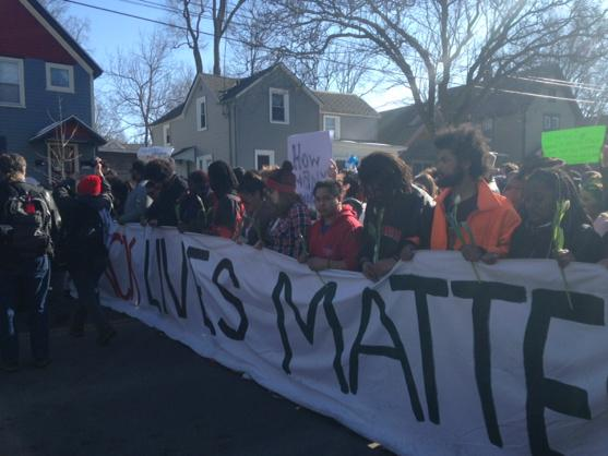 Moment of silence for #TonyRobinson http://t.co/FJ8cKKHFsI