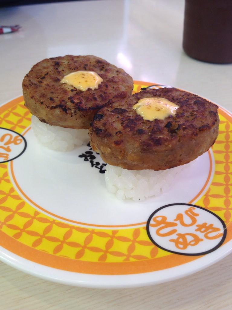Tell me why cheeseburger sushi exists... http://t.co/ycL4zZtUOH