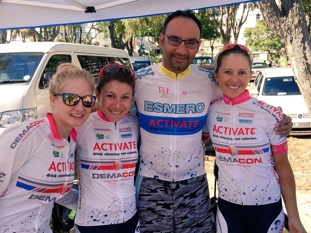The Champions of the #CapeTownCycleTour Elite ladies @LynetteBurger @anli_k @Heidz21 @ESMEROcycling @ActivateDemacon http://t.co/lqN13kEm5b
