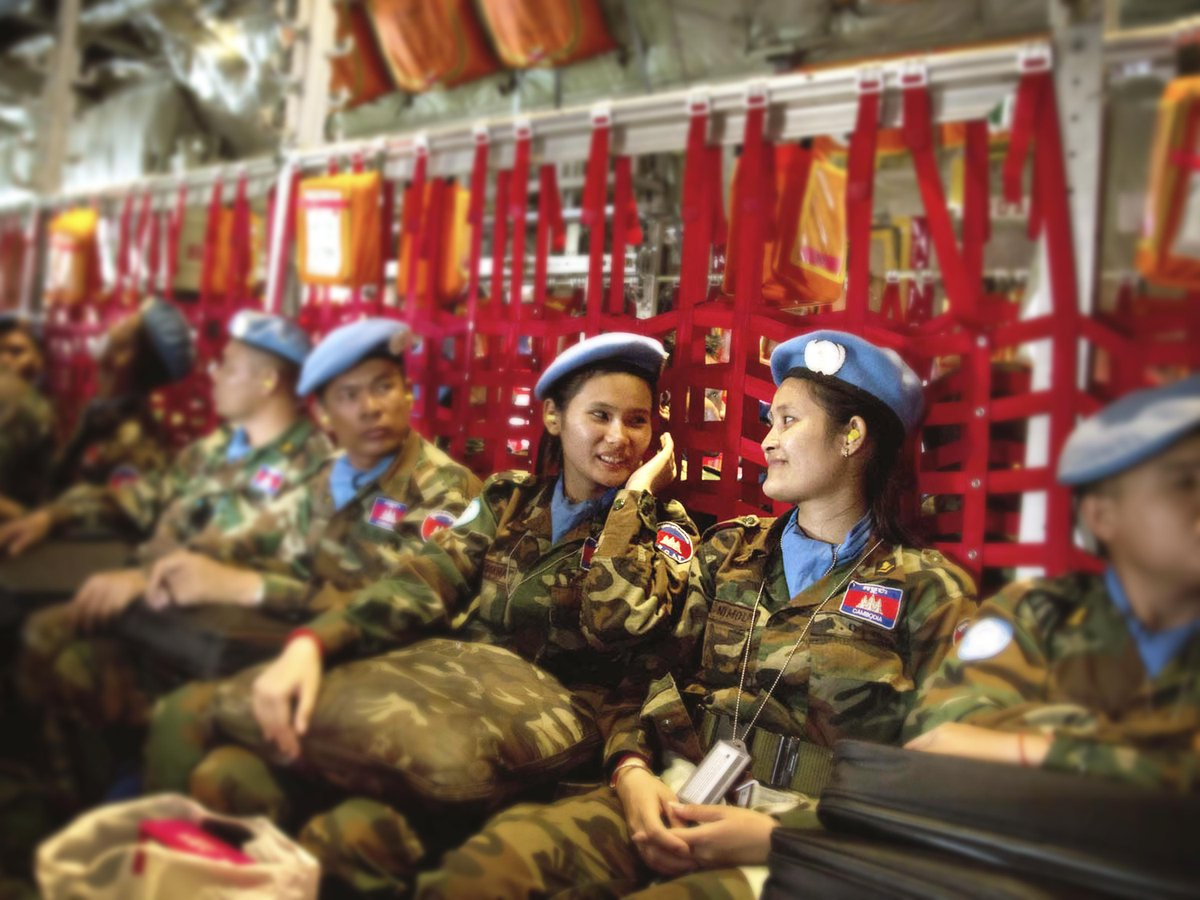 It's International Women's Day! Share with strong women you know: http://t.co/hlmm1JEkFZ #womenpeacekeeping #IWD2015 http://t.co/AAGjecHLkp