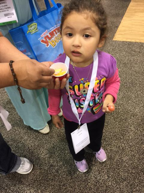 Never too early to enjoy #MacUncheddar by #Pastariso at #ExpoWest http://t.co/irxYe8e5Qh