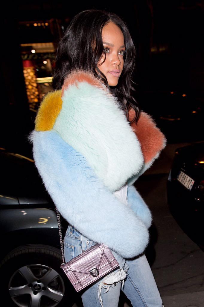 Rihanna in Paris. http://t.co/bmz4GHVvUS
