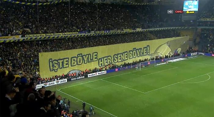 Fenerbahçe tribünlerinde maç sonu açılan pankart http://t.co/XhV3IRdfn7