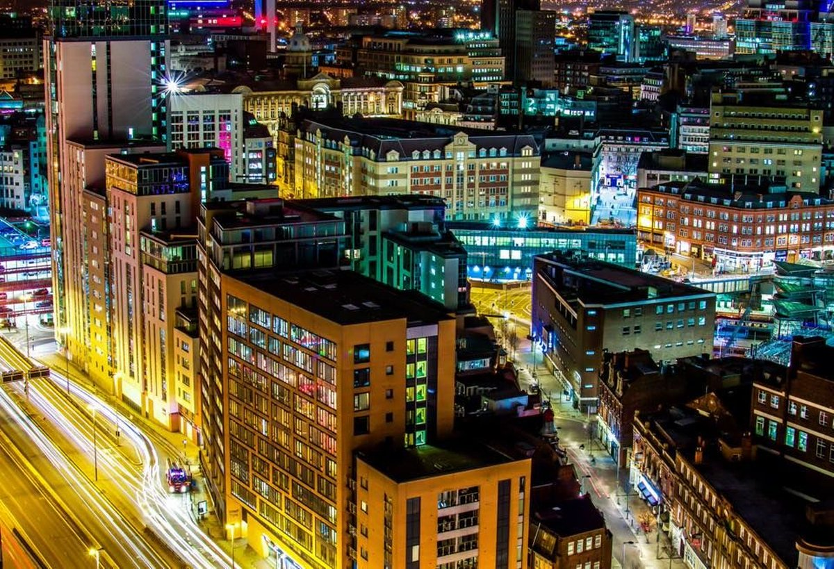 Simply stunning: See these amazing pics of Birmingham by brilliant a local photographer http://t.co/UXnkdI1poN http://t.co/hK2prYO5lX