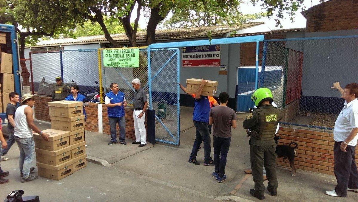 Estamos entregando 250 #TabletasParaEducar en el Colegio Nuestra Señora De Belén, Sede 23, en Cúcuta. http://t.co/rdS3JH30Y0