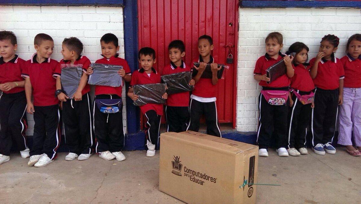 La Escuela Urbana Rudensindo Soto No 49, ya cuenta con 70 tabletas de @CompuParaEducar y el @Ministerio_TIC. http://t.co/B7DXsMFqsN