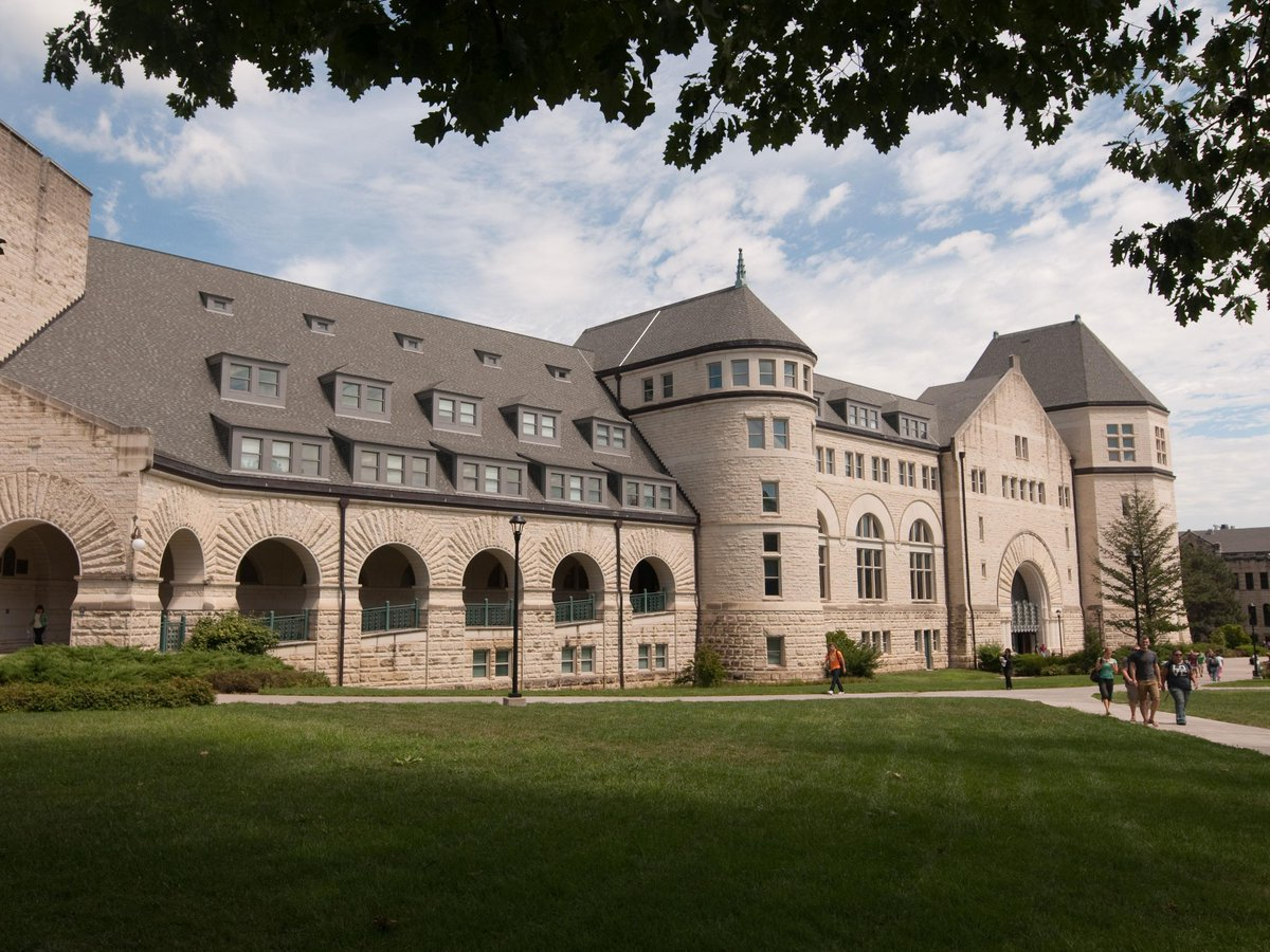 #KState's Hale Library ranks No. 4 on 50 Most Amazing College Libraries list. http://t.co/0t8uUw667j http://t.co/36r8oWYHhv