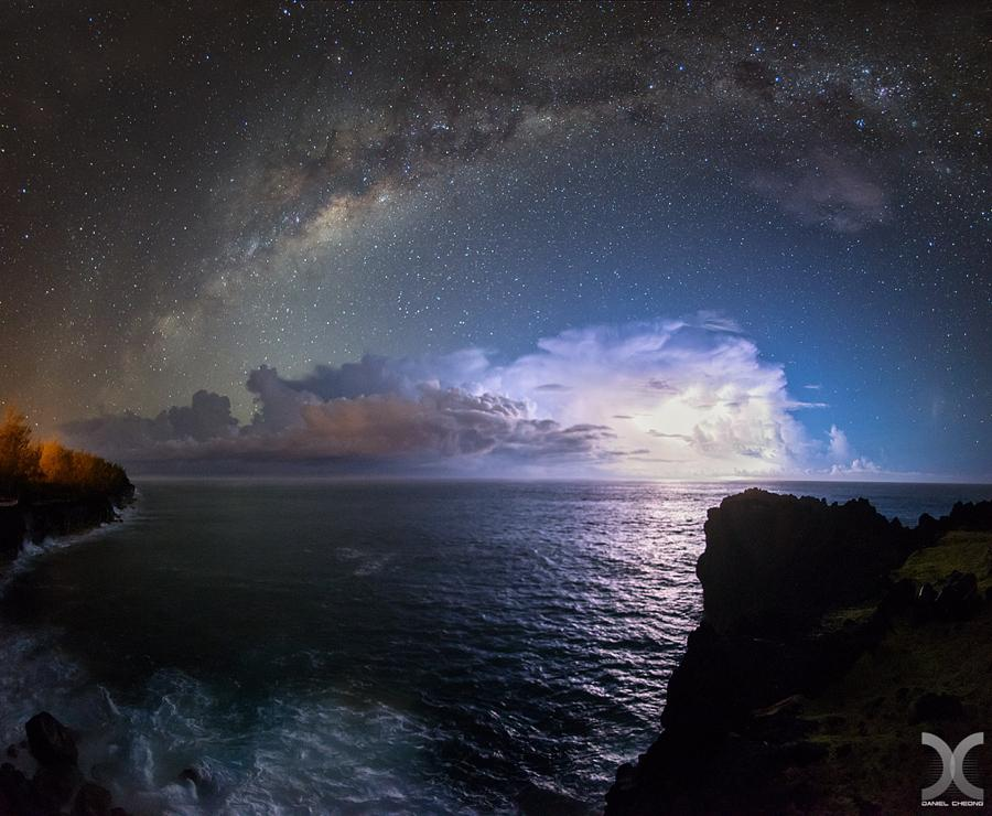 Astro Thunder by DanielCheong1 #photo http://t.co/fmBg59NTP9