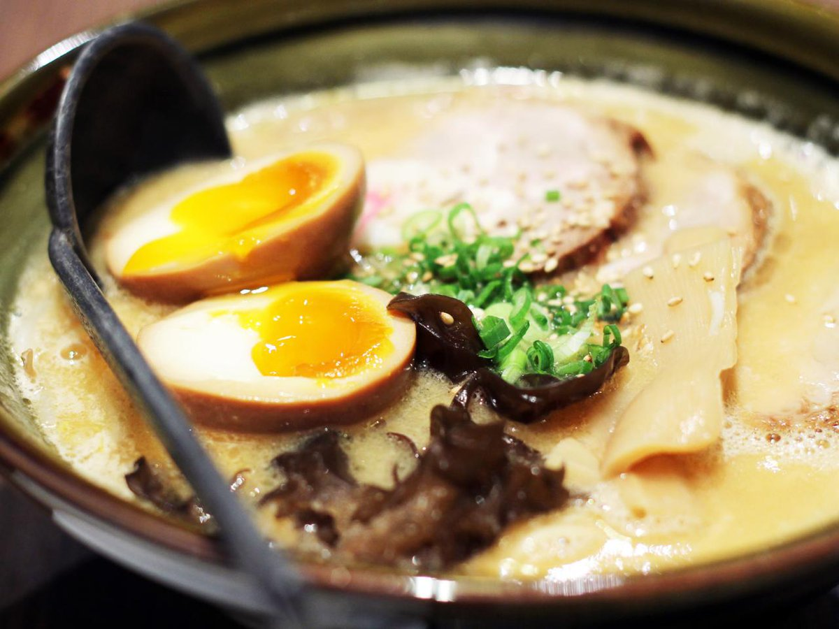 From ramen to tempura, discover what makes Tokyo so delicious tonight at 9:30pm ET - http://t.co/GCIDgFlpPS http://t.co/ZflrgI9d9s