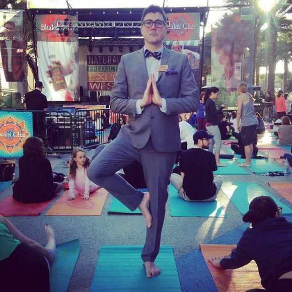 If you're missing #yoga at #ExpoWest as much as we are, here's a gallery for you! http://t.co/nFOfGYm81q @BhaktiChai http://t.co/7D4BxQAaLo