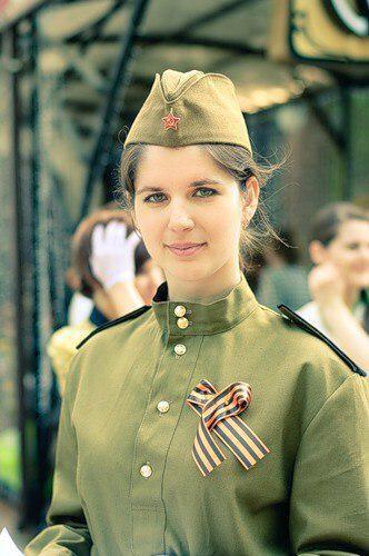 фото девушек в военном форме