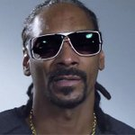 #SnoopDogg urges you to drop the weapons—from your 401k: http://t.co/UbpUhugngz #ImUnloading http://t.co/HZ6JyMqxge #stockmarket
