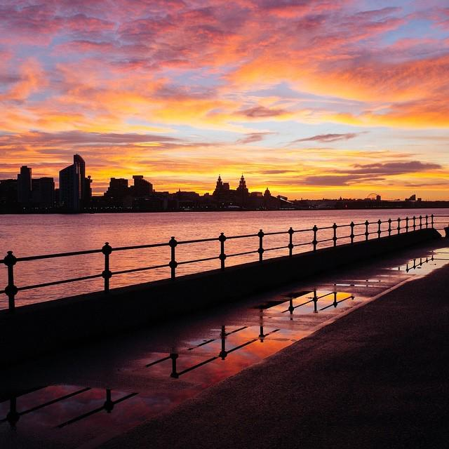 Why I take the @merseyferries to #Liverpool - http://t.co/ZAQprULwV7 http://t.co/PtKP0kFmdp