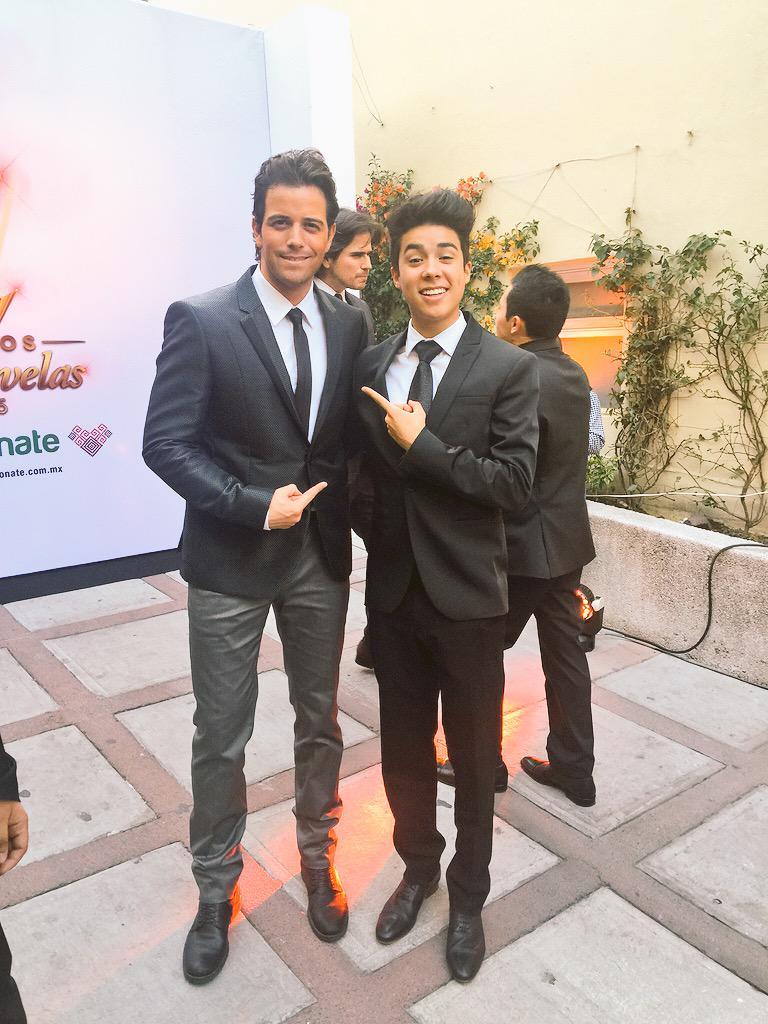 Con el buen @mariobautista_ ! Tipazo !! http://t.co/w62OhmqvRv
