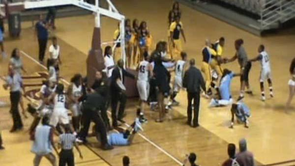 Southern Lady Jags punished for a brawl that ended their game with Texas Southern Saturday.  http://t.co/RhRrAtuJB2 http://t.co/KJ1eDBD5Br