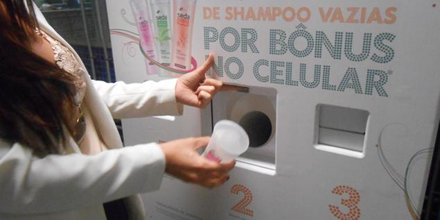 Brazilian haircare brand swaps empty shampoo bottles for cellphone credit http://t.co/sEDyjrVs76 #CurrenciesOfChange http://t.co/UWtKfA3D6Q