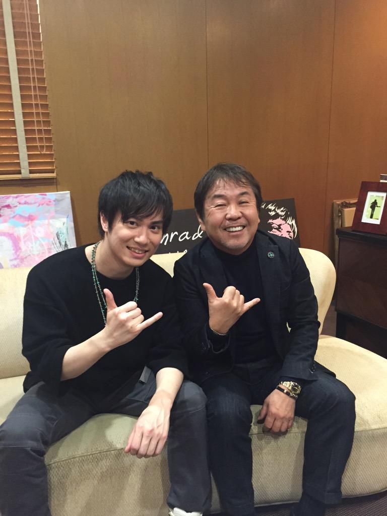 先日、超人気 声優&歌手の鈴木達央くんがオフィスに来てくれました♪ http://t.co/E9dumw83UK
