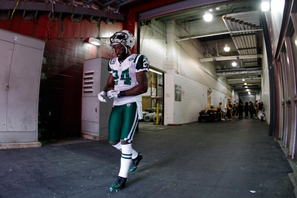 I want to thank the Pats and Pats Nation for an unbelievable year. NEW YORK I'm coming home. #revisisland #jetnation http://t.co/KQE3Yc1orz
