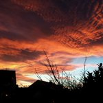 Wow! Breathtakingly beautiful sunset. http://t.co/hvGlE3Ntts
