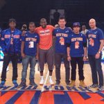 RT @nyknicks: .@RFeltonGBMS with friends from @bbbsnyc before the game. #NBAGiveBIG #NYK http://t.co/0LXzCzEPtM