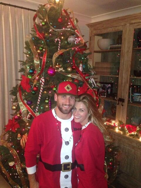 Jarret Stoll's Girlfriend Erin Andrews Gets Frisky On Twitter With 'Christmas Vacation' Movie's 'big Tree' Quote