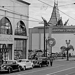 """@HollywoodHelper: RT @PhotosofSoCal: Circa 1948 - Hollywood Blvd. http://t.co/ji3wHMPuSY  cc: @ChineseTheatres""  My block! So clean!"