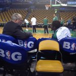 Two of the games great basketball minds, Jordan Crawford and Tommy Heinsohn, talk shop before tonights game http://t.co/OJLVInk5Fx