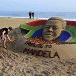 RT @KajalBagwandeen: Sand sculpture of #Madiba on a beach in Puri, India http://t.co/6VgH2Z2aWU