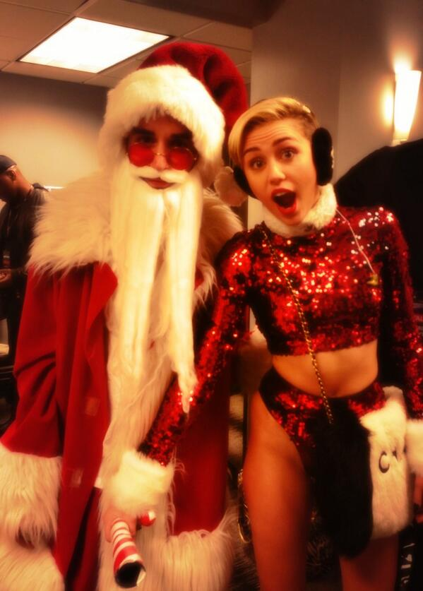 Bad Santa 🎅 #KISSJingleBall ❄️❄️⛄️🎄 http://t.co/OBUx73SnAa