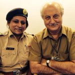 Inspector Sujata Patil's came to shoot of #21toponkisalami. Her timely help saved Criketer Vinod Kambli's.:)
