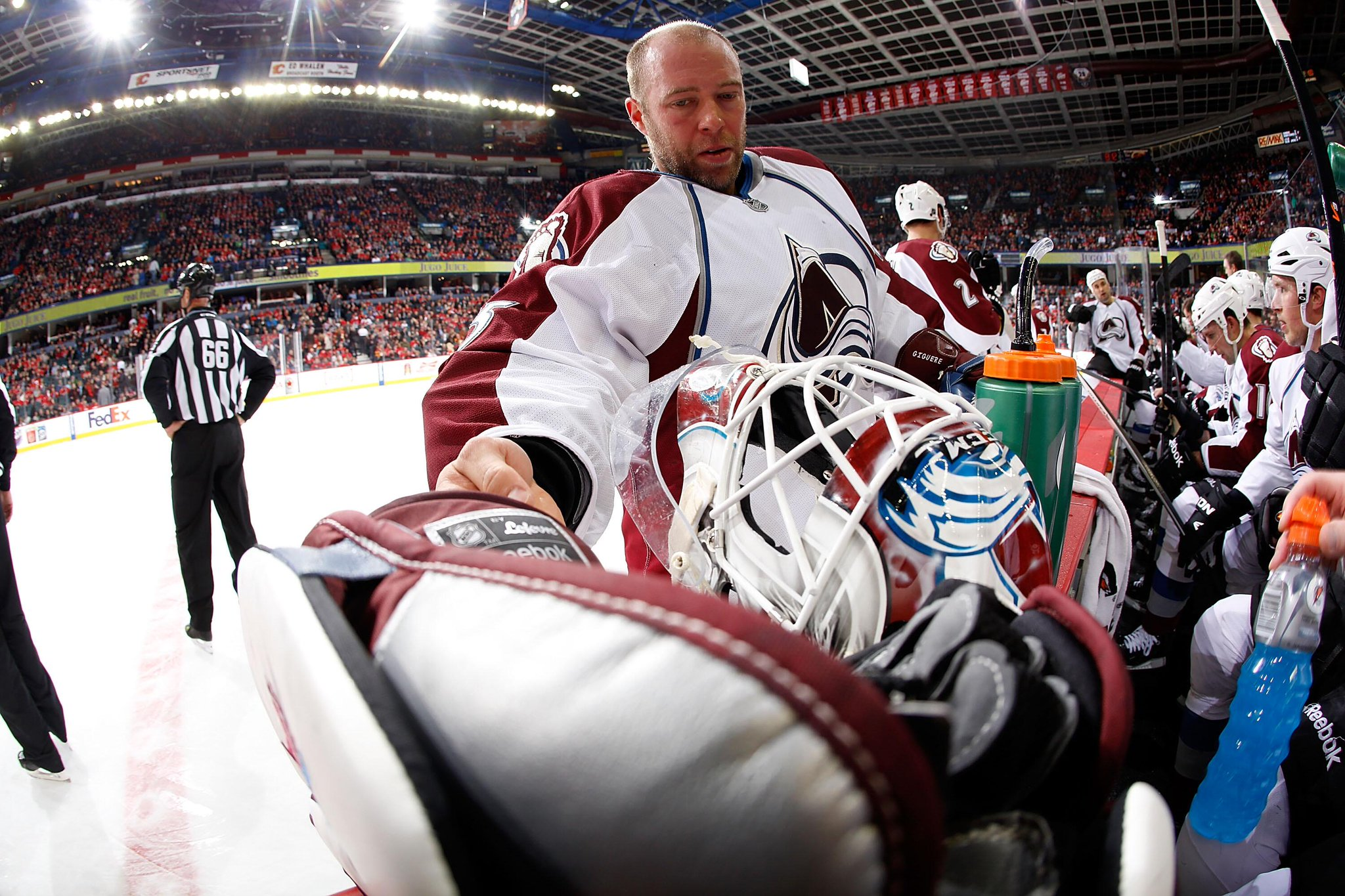 DID YOU KNOW? @Avalanche J.S.Giguere is the first goalie in franchise history to start his season 7-0-0. http://t.co/yvEhjAN9ib