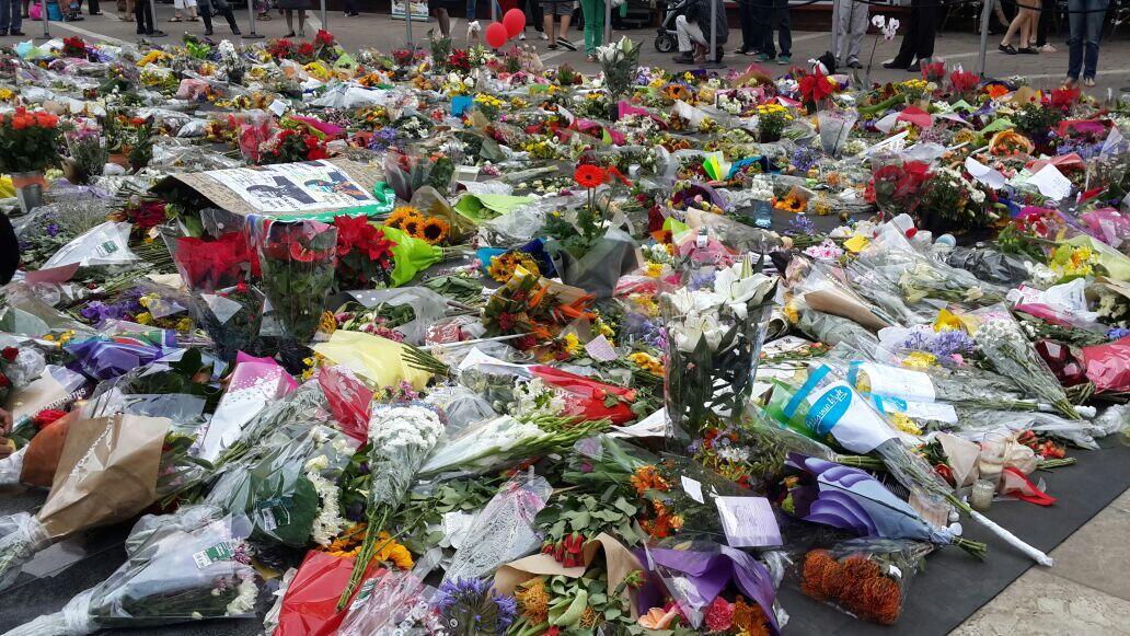 Nelson Mandela Square memorial. . http://t.co/l0RQUUgfZ5
