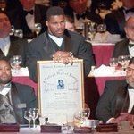 #ThisDayInGAHistory in 1999 Herschel Walker was inducted into the College Football Hall of Fame. #DGD http://t.co/4vQfNk0rXk