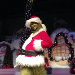 #UniversalHolidays has begun! And the Grinch is ready for his close up. Whos coming out to see him? http://t.co/uTmpQpDjH6