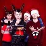 RT @5SOS: This is an amazing Christmas edit!! haha #almostchristmas http://t.co/ja4NGvIl8k