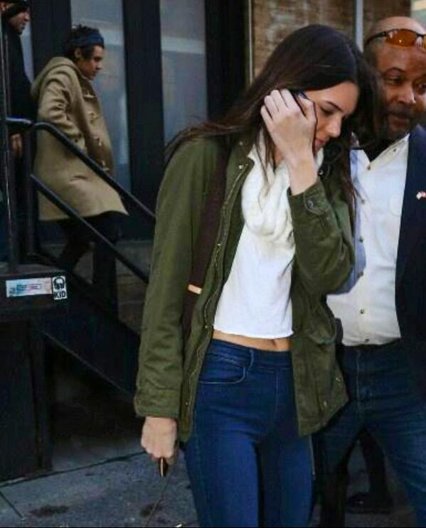 SPOTTED: @Harry_Styles and @KendallJenner out and about in NYC today http://t.co/iLE6bVcYoz