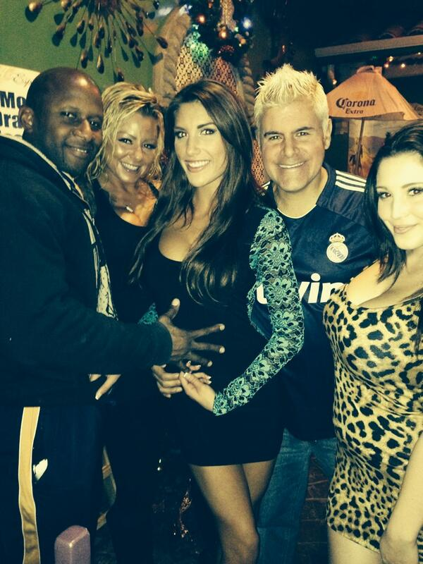 FOXXX MODELING (@FOXXXMODELING): Having a great time at Los Toros with @PrinceYahshua @BritneyShannonX @AugustAmesxxx @PornoDan & @NoelleEaston ;) http://t.co/vb1TBtUhGL