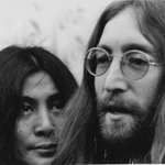 #Onthisday in 1980, John Lennon died after being shot outside his New York home http://t.co/tzChwwWrC8 http://t.co/Pu8VuU9b1s