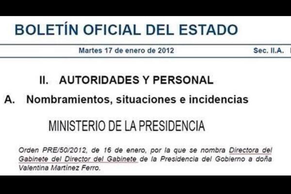 """RT @LuisFragaA3TV: Ojo al cargo publicado en el BOE: """"Directora del Gabinete del Director de Gabinete"""" Vía @pratseva @icacabelos http://t.c…"""
