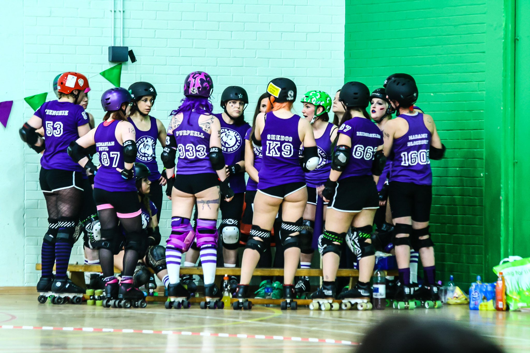 RT @pone77: #Nwrd Getting ready for the bout. #RollerDerby http://t.co/7oA5NmTZS1