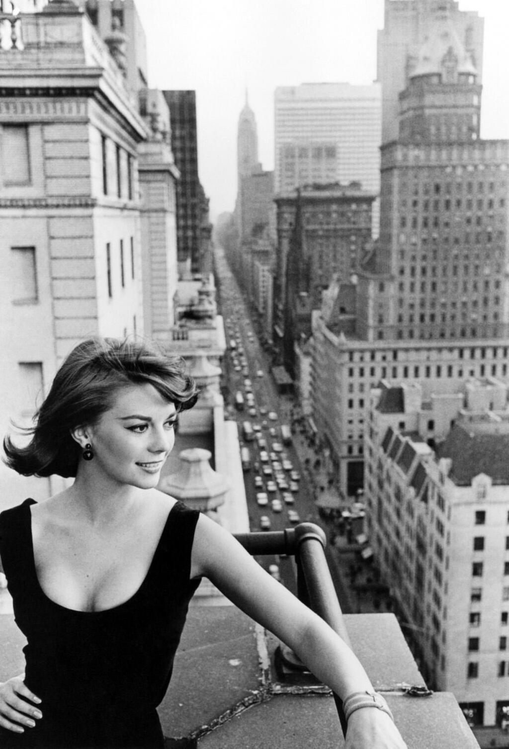 Natalie Wood, New York, 1961 http://t.co/mrLRQsRcLW