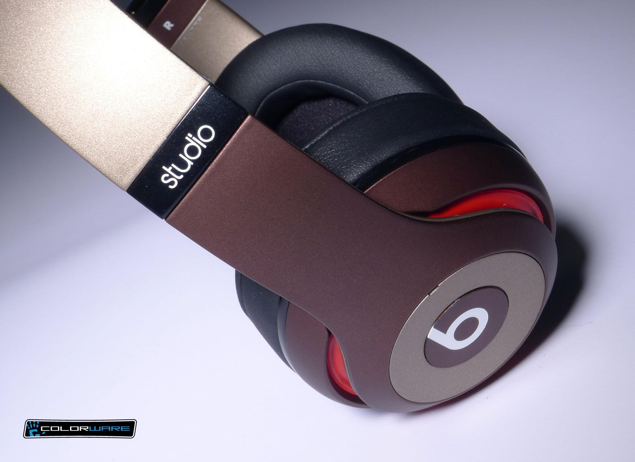 Great looking pair of Beats Studio headphones! #ColorWare #custom http://t.co/9S0MHfXsv7