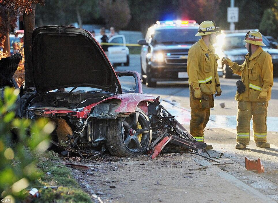 this is what was left from the car Paul Walker was in.. :( #RIPPaulWalker http://t.co/I7rFHHCu7d